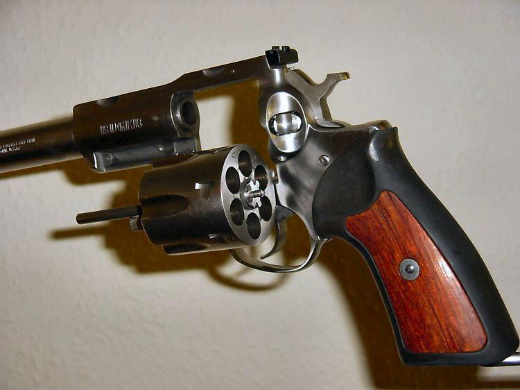 44 magnum revolver. Ruger .44 Magnum revolver